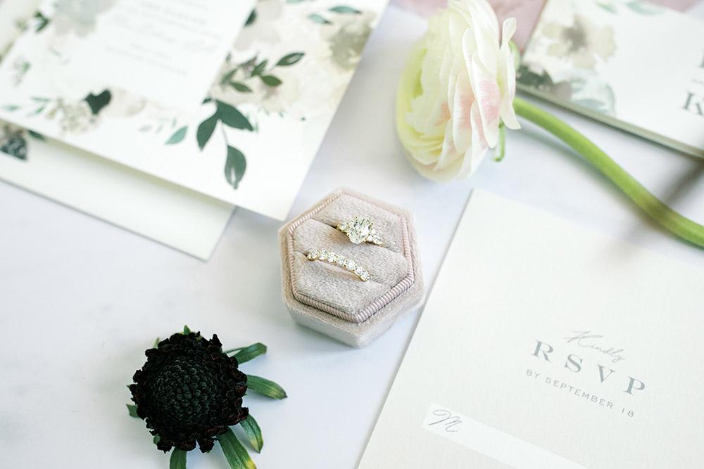 Wedding and engagement ring | Photo: Hannah Herpin Creative