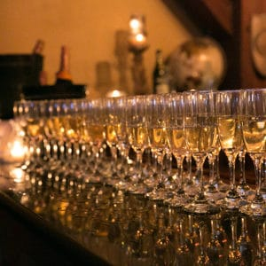 Full Bar Or Wine & Beer Only – How To Decide