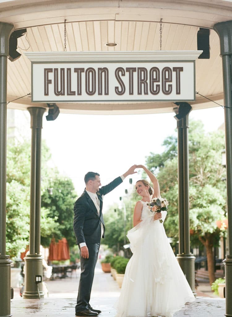 REAL WEDDING:: ALLISON + KEVIN {Love At A Glance}