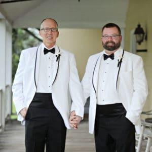 REAL WEDDING :: BRIAN + EDWARD {BLACK + SILVER MASQUERADE}