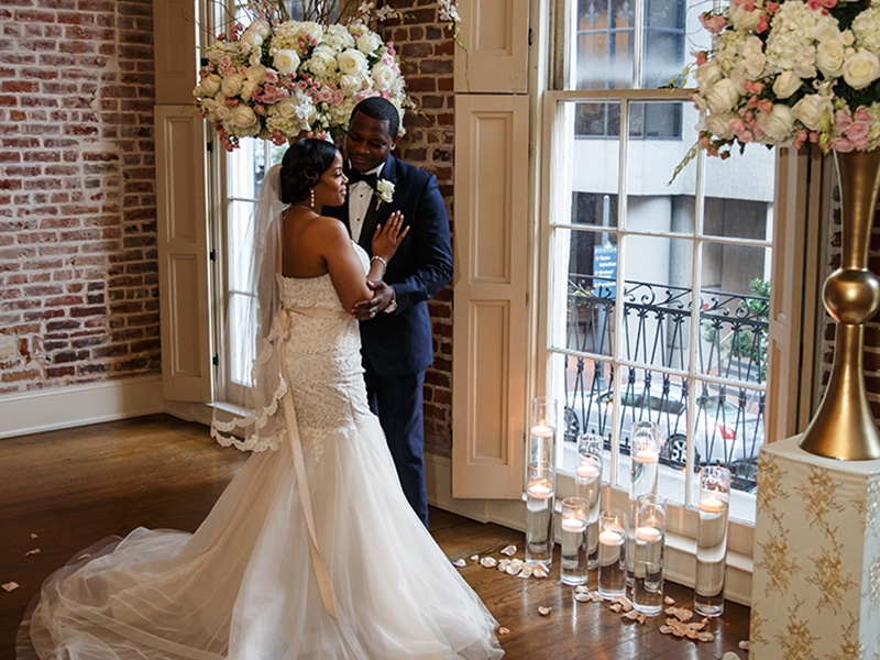 REAL WEDDING :: TIFFANY + DERRICK {The Perfect Fit}