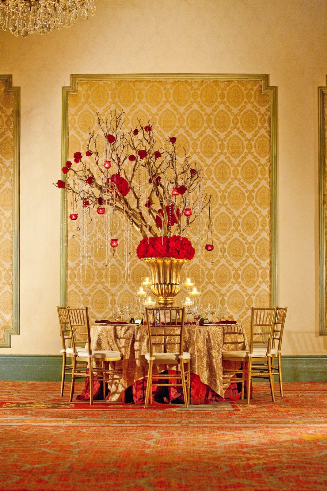 Golden Splendor Decor