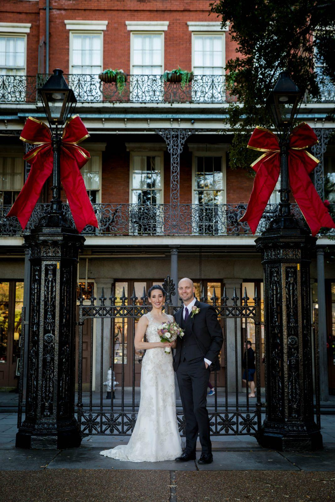 Pros And Cons Of Planning A Holiday Wedding