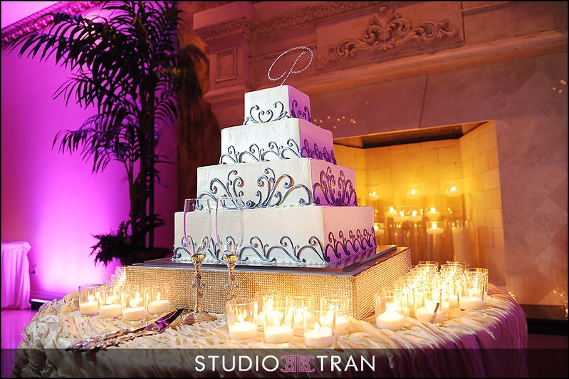 Wedding Cake at Royal Palm. Photo: Studio Tran