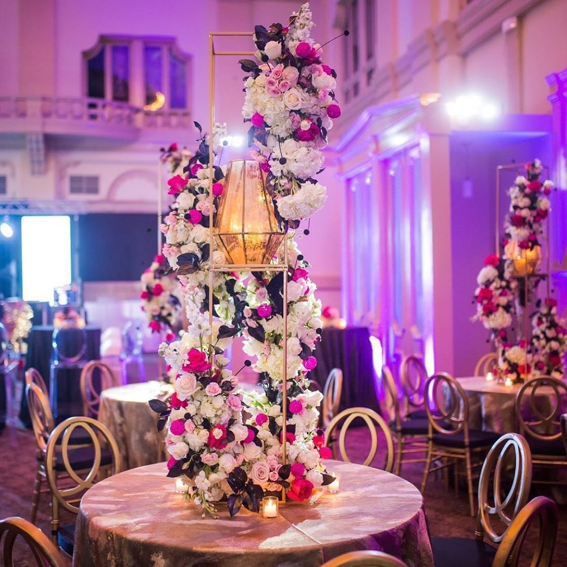 Pink and gold party decor. Photo: Mateo + Co.