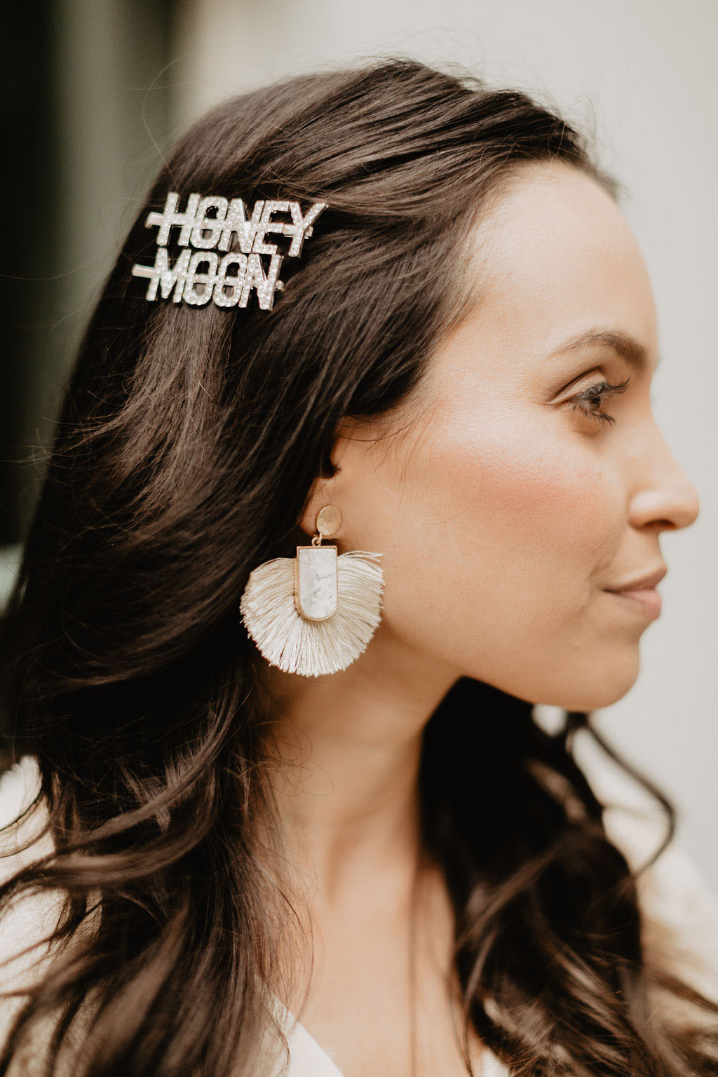 Honeybee Bride Hair Glam Accessories | Photo: Emily Green Photo