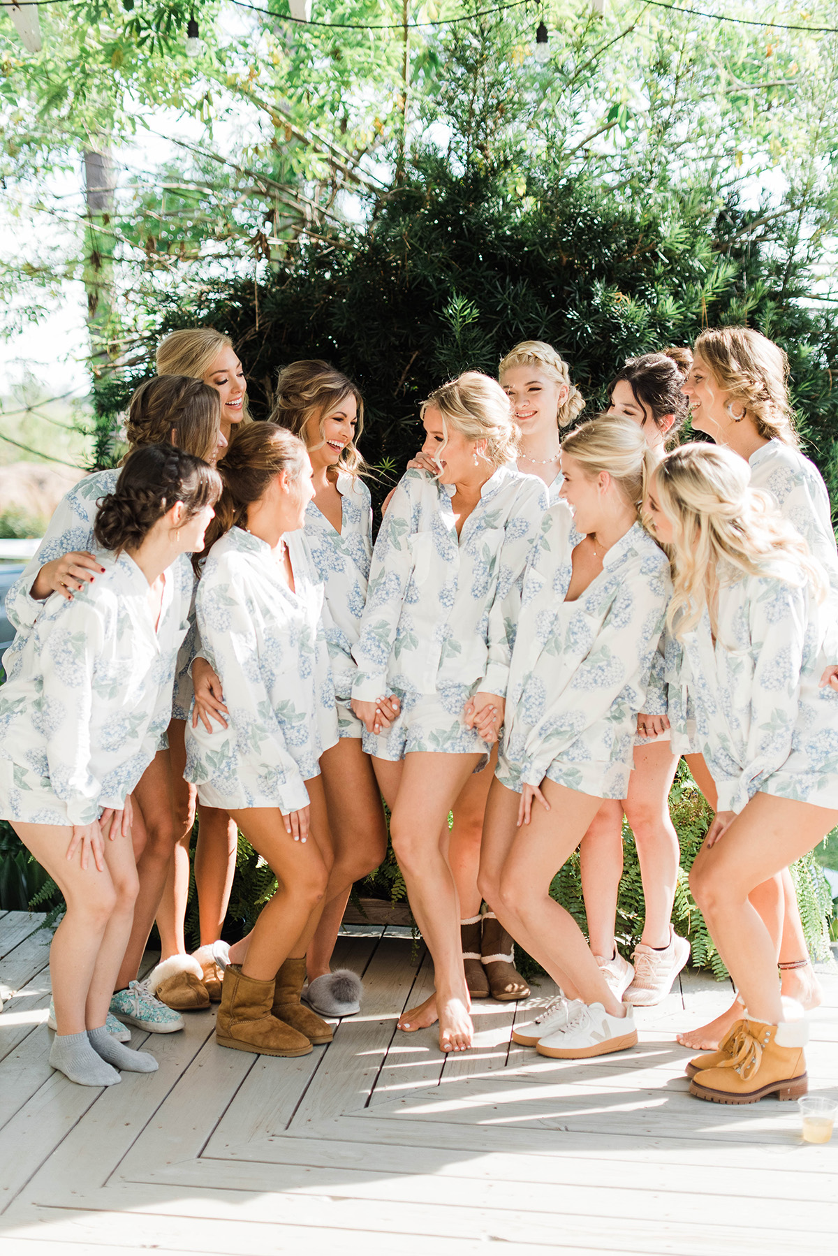 Bride with bridesmaids. Gabby Chapin Photography
