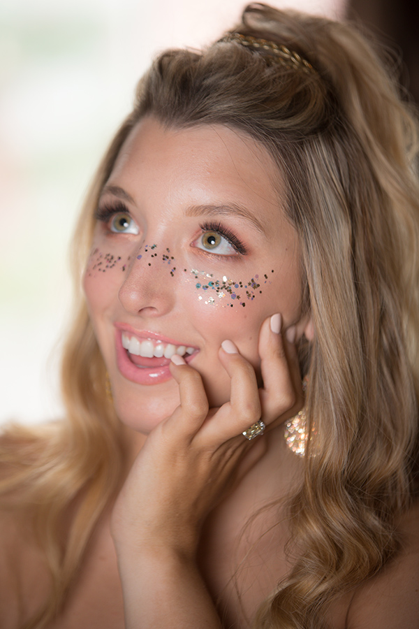 A bride with glitter makeup. Photo: Brian Jarreau