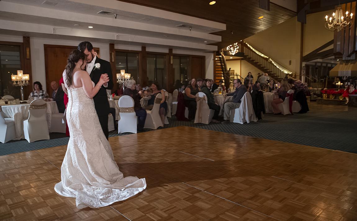 Stonebridge Golf Club first dance in ballroom. Photo: Susan Poag.
