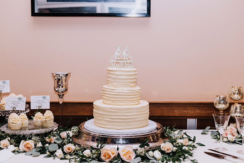 New Orleans wedding cake table