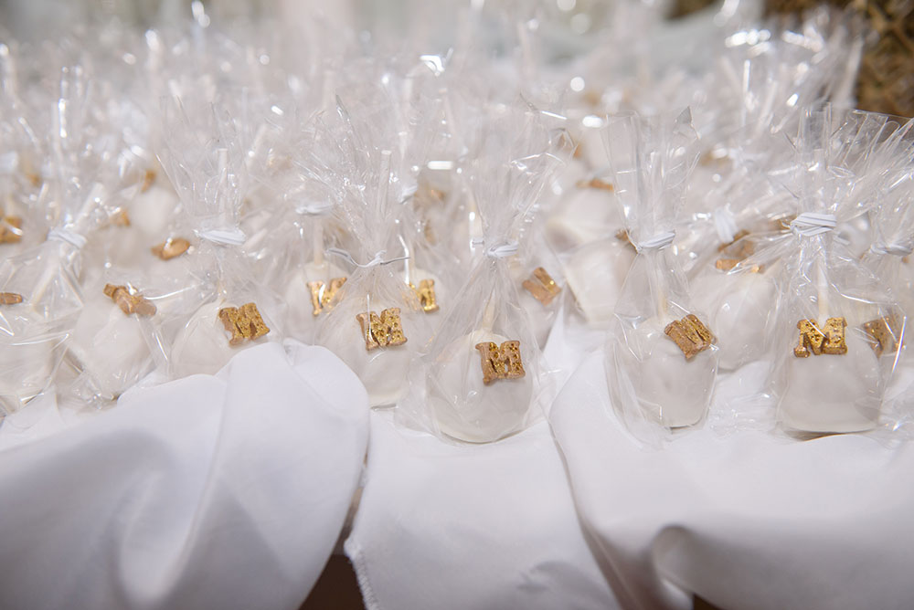 cake ball wedding favors white with gold M