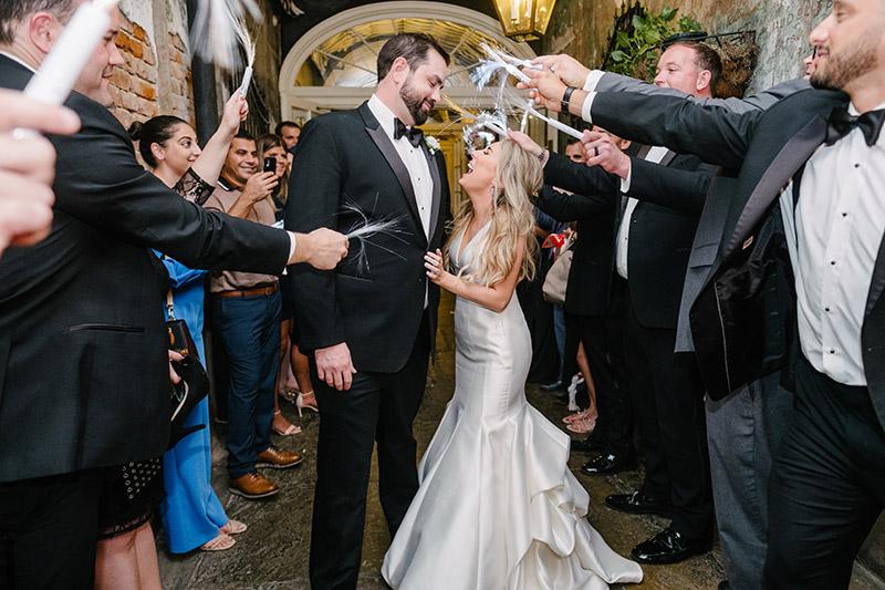 Wedding exit with LED streamers | Photo: Studio Tran