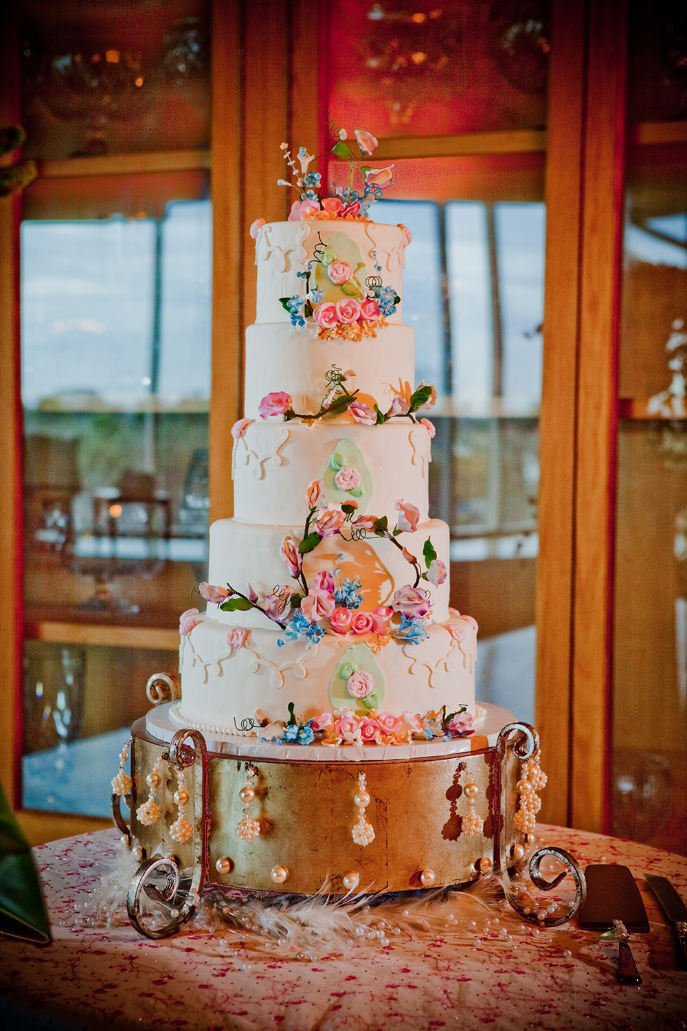 Floral Wedding Cake by Gambino's Bakery | Photo by: Images by Robert T