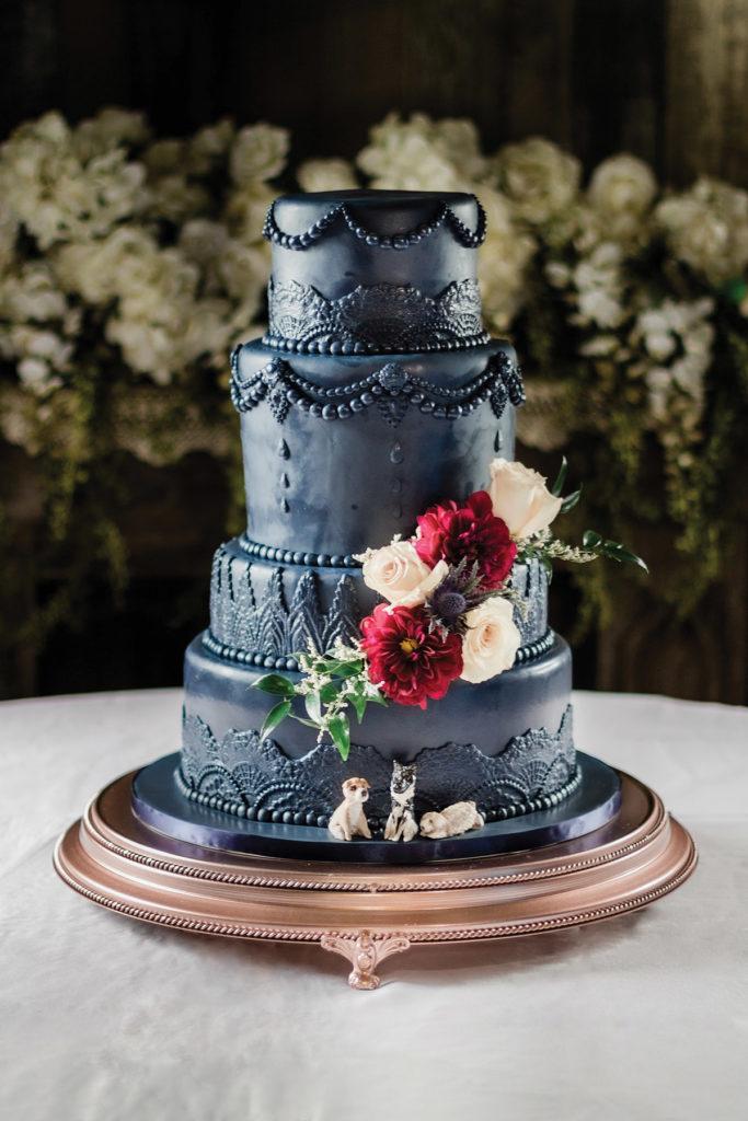 Black fondant wedding cake by Kimbla's Cakes | Photo by: Twisted Eye Photos
