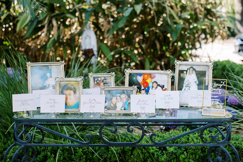 The memory table with family photos