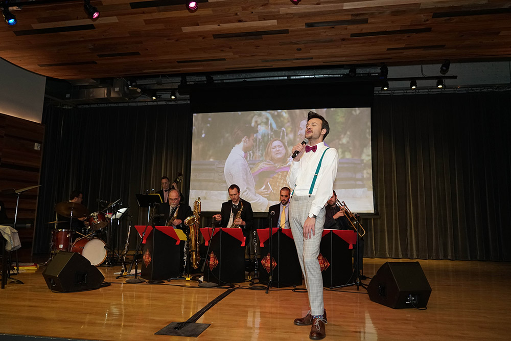 the groom sings with fat city swing