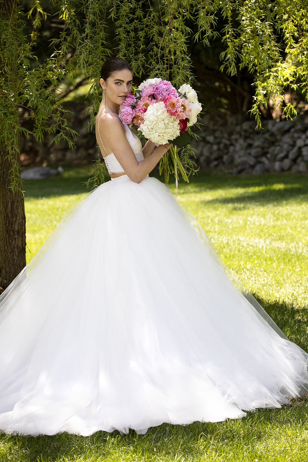 CROPPED LACE TUXEDO BODICE WITH ORGANZA AND TULLE BALL SKIRT