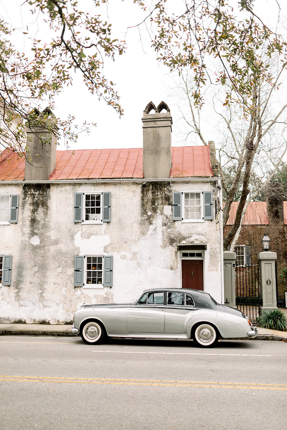 SC Express' dove grey vintage 'Silver Cloud' car is the perfect getaway vehicle for the modern couple with nostalgic sensibilities.