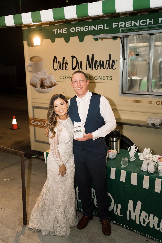 cafe du monde beignet truck wedding